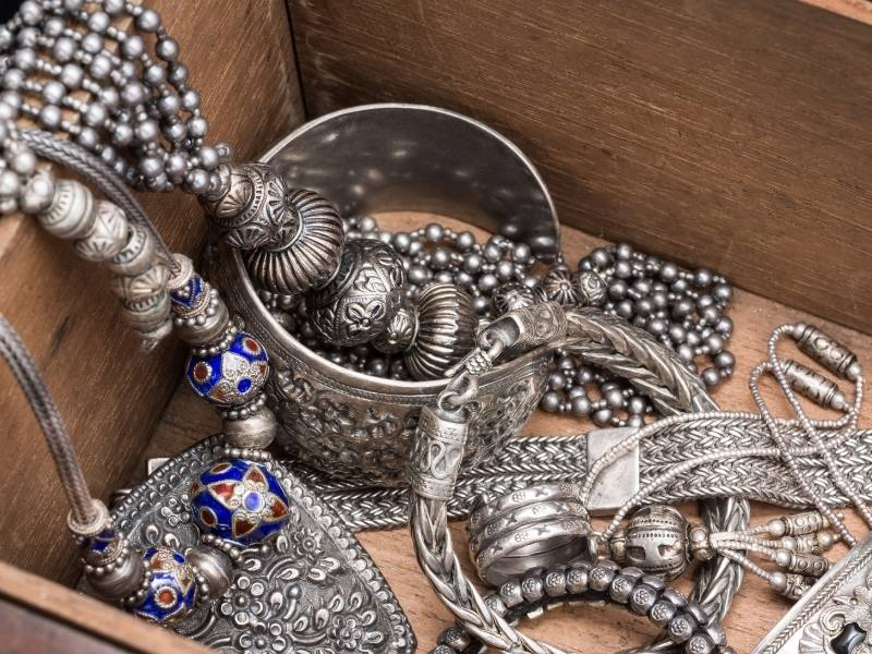 How to Store Silver Plated Jewelry