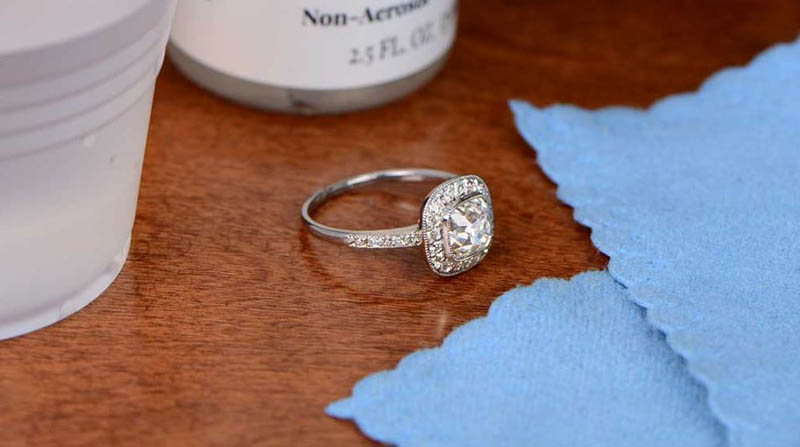 How to Take Care of Platinum Jewelry