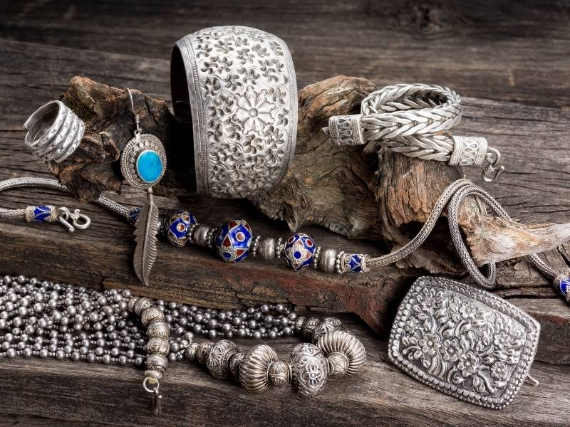 Why does silver plated jewellery tarnish