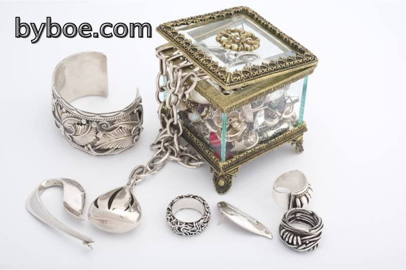 How to Prevent Tarnish on Silvery Jewelry