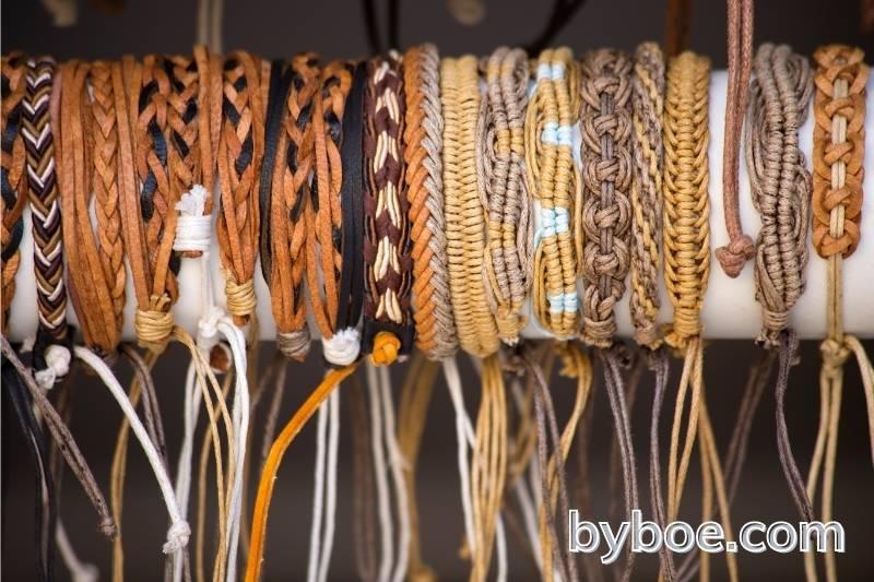 How to Make an Adjustable Bracelet Knot