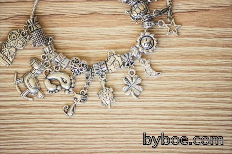 How to Open a Pandora Bracelet