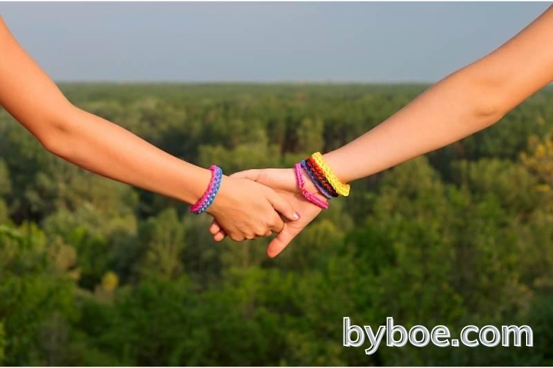 Review of Basic Friendship Bracelet Knots